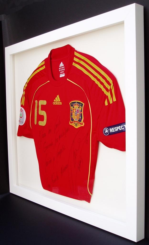 Enmarcación de camiseta de la Selección Española. Entrearte Sevilla.